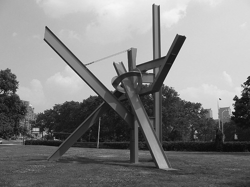 di suvero intersection bw Olle Lundberg: Hand of a Craftsman, Part 1